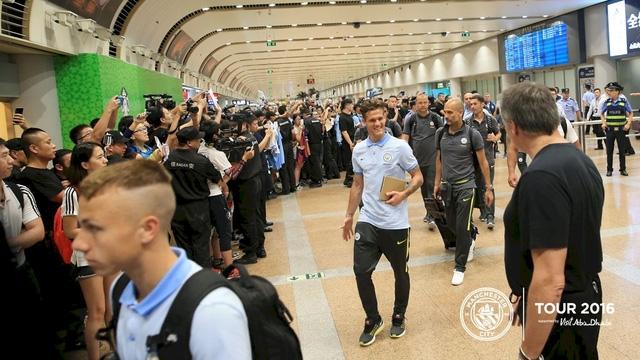 Cầu thủ trẻ Zuculini tỏ ra hạnh phúc khi được đi du đấu cùng Man City