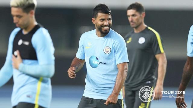 Tiền đạo Aguero đã gia nhập Man City chuẩn bị cho chuyến du đấu