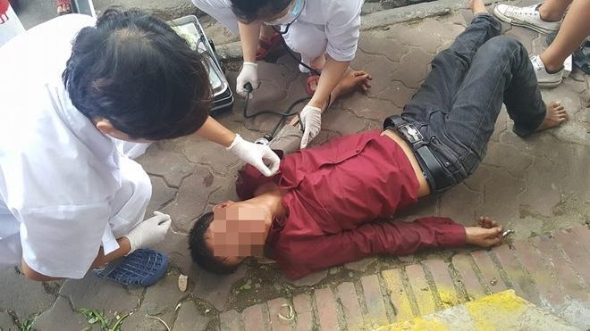 Người đàn ông nằm ăn vạ giữa đường Cát Linh, Hà Nội  - Ảnh 5.