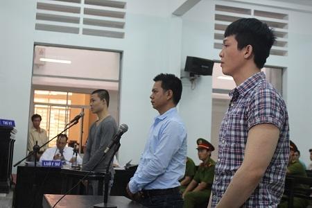 Bị cáo Lê Minh Phát ngoài cùng bên phải tại phiên tòa phúc thẩm lần 2