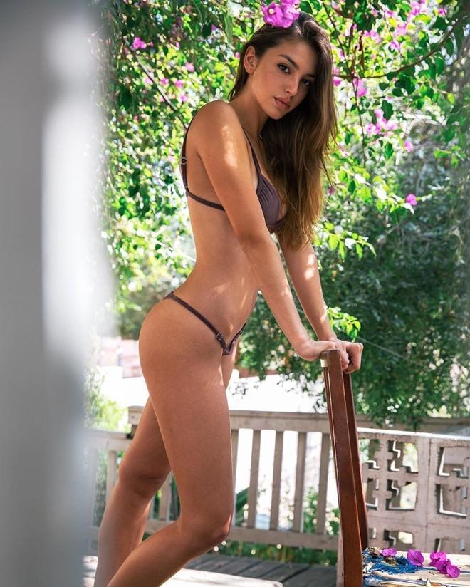 Hot girl My noi tieng cong dong mang hinh anh 2