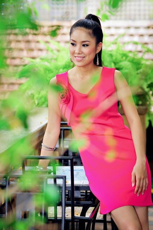 Le Phuong: 'Ban trai san sang cui xuong, cot giay cho toi' hinh anh 1