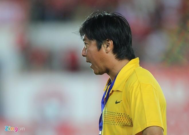 CDV Hai Phong lao xuong san doi 'an thua' voi trong tai hinh anh 8