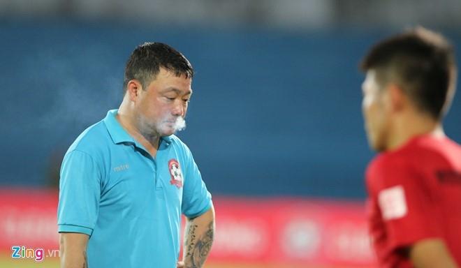 CDV Hai Phong lao xuong san doi 'an thua' voi trong tai hinh anh 9