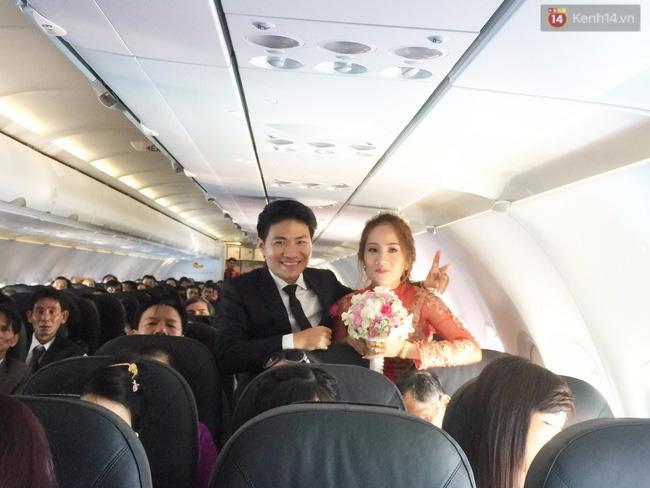 Cô dâu chú rể chi 3 tỷ cho đám cưới, rước dâu bằng máy bay và dàn xe ô tô 25 chiếc - Ảnh 2.