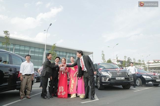 Cô dâu chú rể chi 3 tỷ cho đám cưới, rước dâu bằng máy bay và dàn xe ô tô 25 chiếc - Ảnh 4.