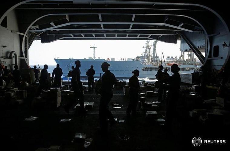 He mo cuoc song tren tau san bay USS Harry S. Truman-Hinh-8