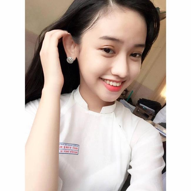 Linh Miu và Thúy Vi: Ai mới là cô gái lắm chiêu và tai tiếng bậc nhất? - Ảnh 4.