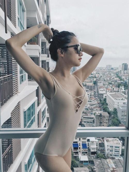 """Loạt ảnh gợi cảm nhận """"bão like"""" của Hương Giang Idol - 2"""