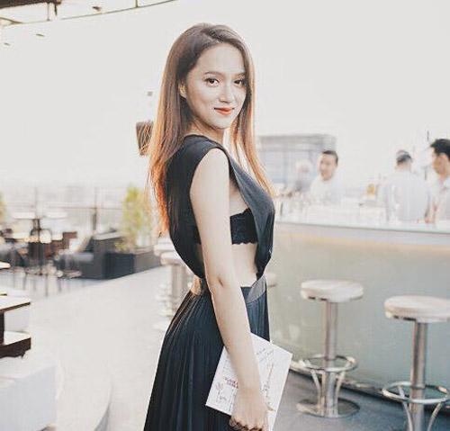"""Loạt ảnh gợi cảm nhận """"bão like"""" của Hương Giang Idol - 8"""
