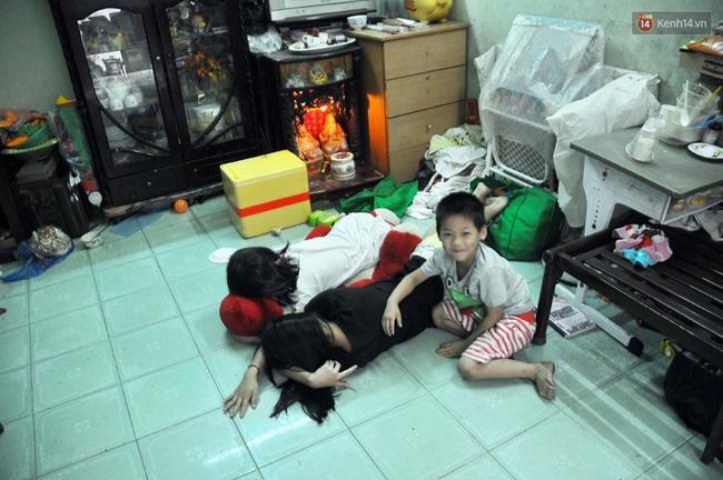 Mẹ bỏ đi, 11 anh em chen chúc sống trong căn nhà chật hẹp ở Sài Gòn - Ảnh 5.