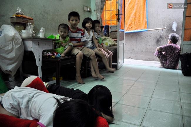 Mẹ bỏ đi, 11 anh em chen chúc sống trong căn nhà chật hẹp ở Sài Gòn - Ảnh 6.
