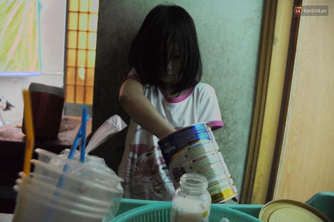 Mẹ bỏ đi, 11 anh em chen chúc sống trong căn nhà chật hẹp ở Sài Gòn - Ảnh 8.