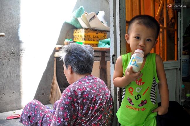 Mẹ bỏ đi, 11 anh em chen chúc sống trong căn nhà chật hẹp ở Sài Gòn - Ảnh 9.