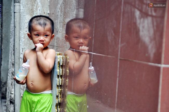 Mẹ bỏ đi, 11 anh em chen chúc sống trong căn nhà chật hẹp ở Sài Gòn - Ảnh 14.
