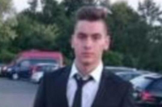 Brave Huseyin Dayicik, 19 tuổi. Ảnh: Mirror