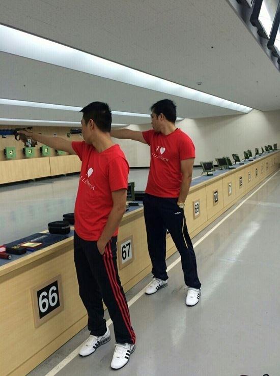 Bộ đôi xạ thủ Hoàng Xuân Vinh – Trần Quốc Cường trong thời gian tập luyện cho Olympic Rio 2016.
