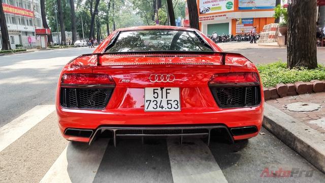 Đây là chiếc Audi R8 V10 Plus thứ 3 tại Việt Nam.