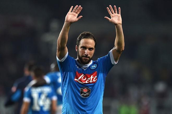 Juventus hoan tat bom tan 90 trieu euro voi Higuain hinh anh 1