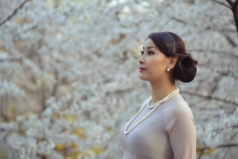 Hà Kiều Anh là hoa hậu có tuổi thơ không êm đẹp