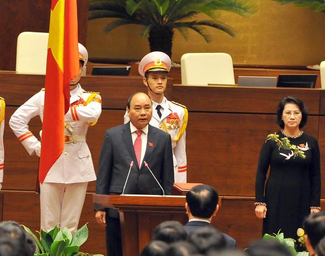 Thủ tướng Nguyễn Xuân Phúc làm lễ tuyên thệ nhậm chức lần thứ 2 trong vòng 4 tháng. (Ảnh: H.L)