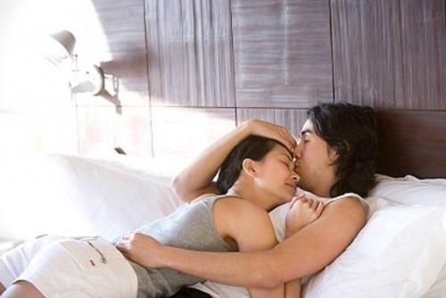 6 thói quen biến phòng ngủ thành 'thiên đường tình ái'