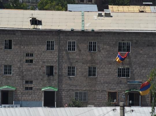 Vụ chiếm giữ trụ sở cảnh sát ở Armenia kéo dài hơn 1 tuần. Ảnh: vestnikkavkaza