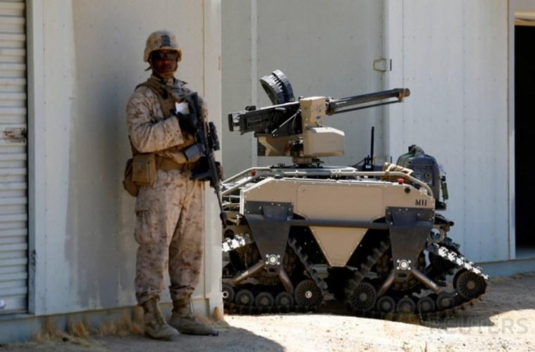 Chet me robot chien dau cua linh thuy danh bo My-Hinh-5