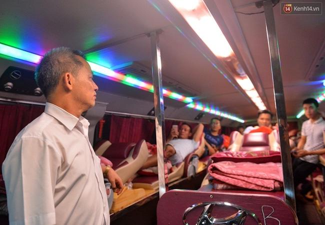 Chuyến xe cuối cùng rời bến xe Lương Yên trước khi dừng hoạt động - Ảnh 3.