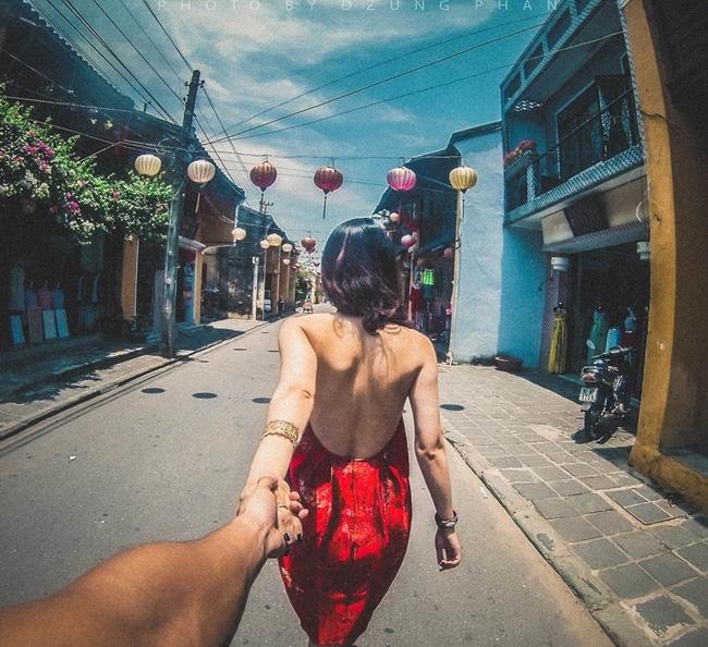 Đây chính là bộ ảnh Nắm tay em đi khắp thế gian phiên bản Việt đẹp và lãng mạn nhất! - Ảnh 1.