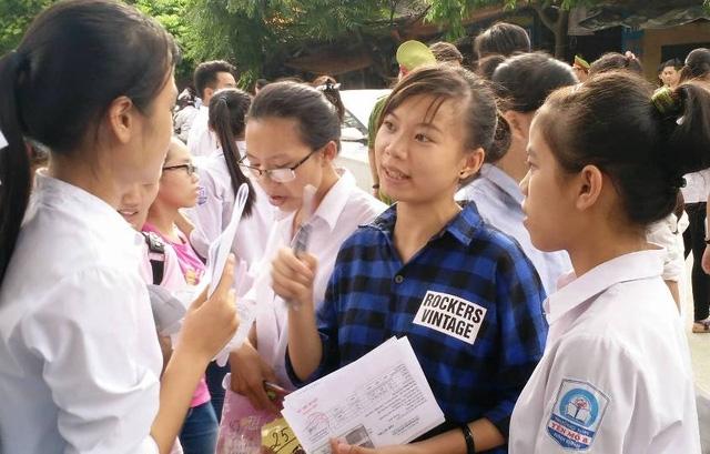 Các thí sinh tại Ninh Bình tham dự kỳ thì THPT quốc gia năm nay