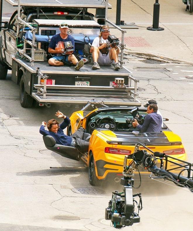 Nhung canh va cham sieu xe tren phim truong 'Transformers 5' hinh anh 4