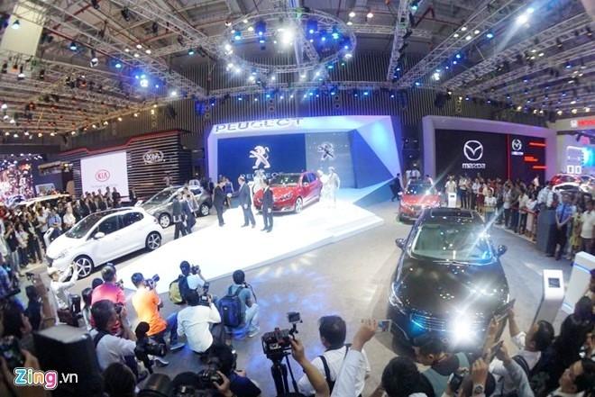 Vietnam Motor Show 2016 dien ra o Ha Noi, quy tu 13 hang xe hinh anh 1
