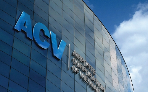 ACV đề xuất tăng giá phục vụ hành khách nội địa từ 1/1/2017 lên 100.000 đồng/hành khách so với mức 70.000 đồng hiện tại