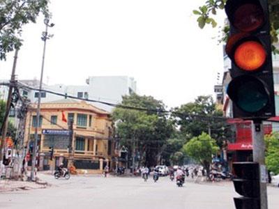 Uỷ ban ATGT Quốc gia lên tiếng về xử phạt đèn vàng