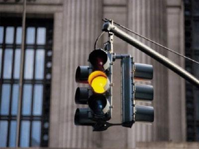 Đề xuất bỏ phạt vượt đèn vàng nếu bất hợp lý