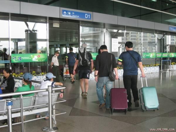 Bán hàng miễn thuế ở Tân Sơn Nhất thu 86 tỷ đồng mỗi tháng