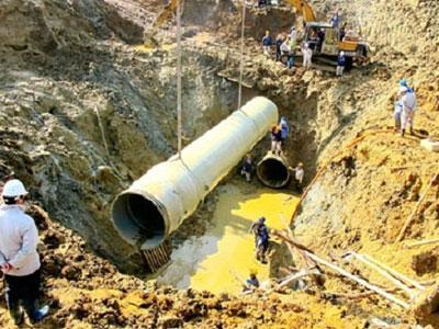 Chẳng lẽ Vinaconex không đủ năng lực làm đường ống nước?