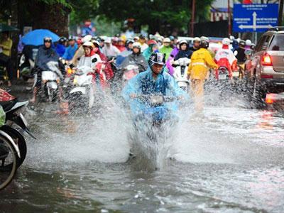 Hà Nội tiếp tục mưa dông, nhiệt độ giảm sâu