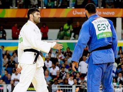 VĐV judo Ai Cập bị đuổi về nước vì... từ chối bắt tay đối thủ Israel ở Olympic Rio