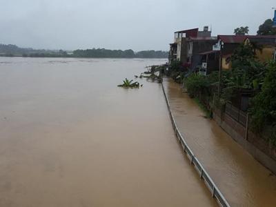 Chùm ảnh: TP Yên Bái ngập chìm do nước sông Hồng dâng cao