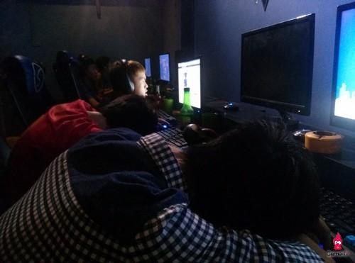 Nhiều đối tượng mê game nên ngủ gật tại quán internet (ảnh minh họa)