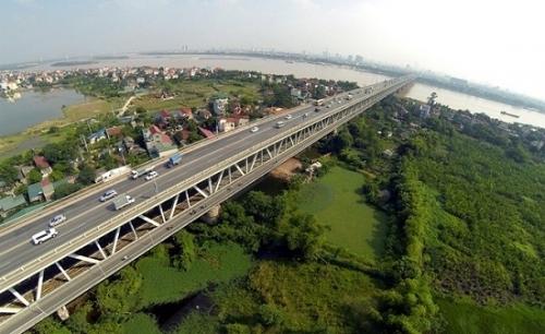 Cầu Thăng Long lại xuống cấp nghiêm trọng - Ảnh 1