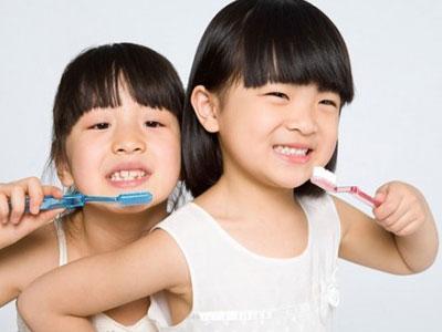 Ăn nhiều nho khô, trẻ vô tình bị hỏng hàm răng xinh