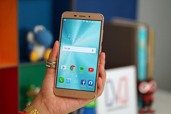 6 smartphone sang gia len ke tai VN thang 9 hinh anh 3
