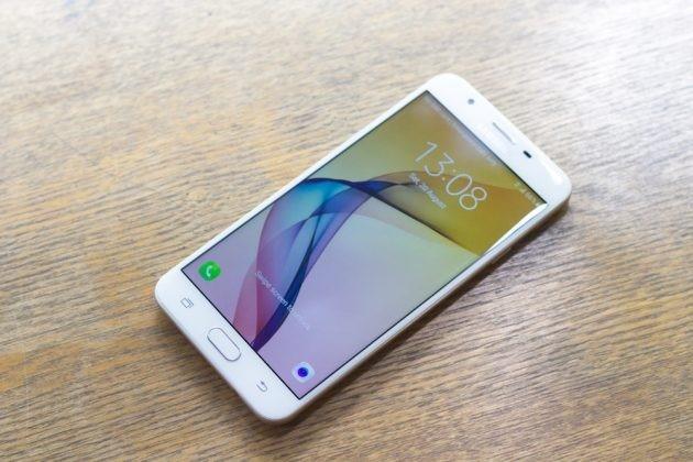 6 smartphone sang gia len ke tai VN thang 9 hinh anh 4