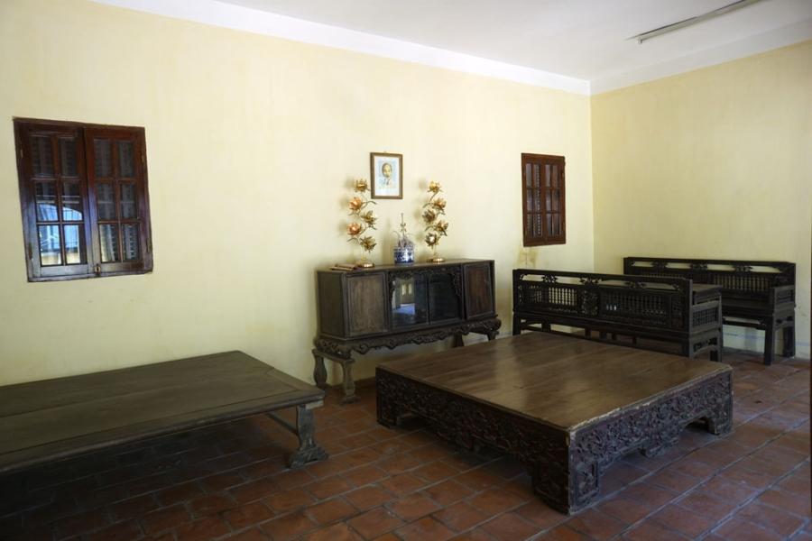 Ngôi nhà với nhiều đồ vật còn nguyên vẹn, được giữ gìn cẩn thận và là một di tích tự hào của người dân Phú Thượng.