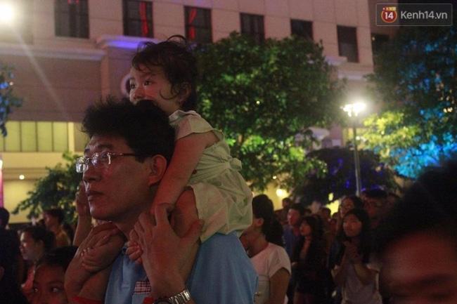 Pháo hoa rực sáng bầu trời Sài Gòn đêm Quốc Khánh - Ảnh 3.