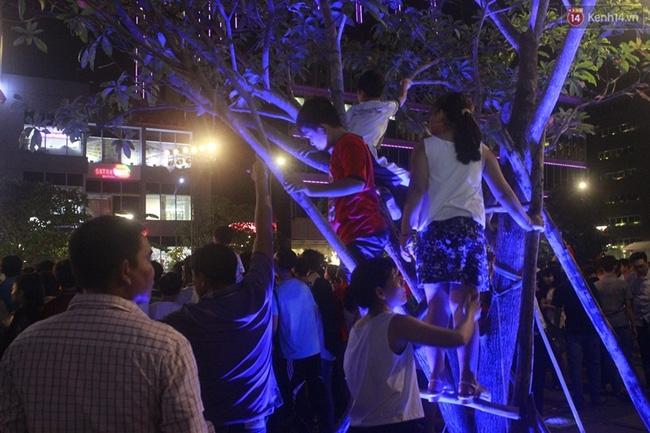 Pháo hoa rực sáng bầu trời Sài Gòn đêm Quốc Khánh - Ảnh 21.