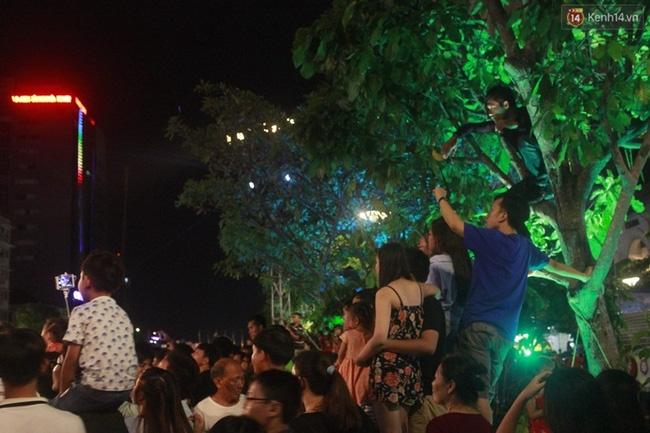 Pháo hoa rực sáng bầu trời Sài Gòn đêm Quốc Khánh - Ảnh 22.